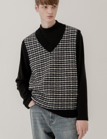 MIXED JACQUARD V-NECK KNIT VEST [BLACK]